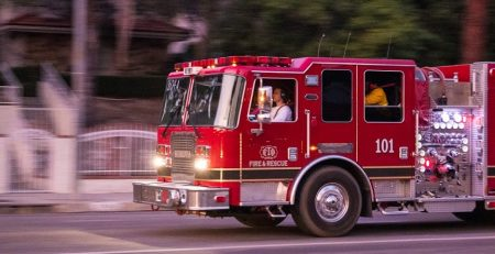 Portland, OR – Fire on Southeast Powell Blvd Claims One Life and Leaves One Injured