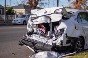 Portland, OR – Auto Wreck with Injuries Reported on NW Glisan St near NW 3rd Ave